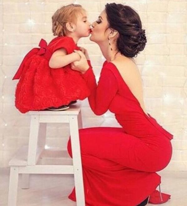 váy đầm dự tiệc cho mẹ và bé